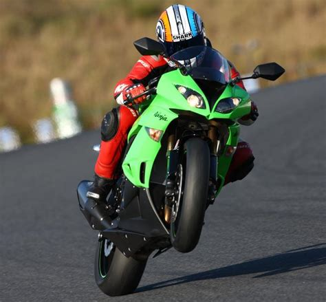 KAWASAKI ZX-6R (2009-2012) Review | Speed, Specs & Prices