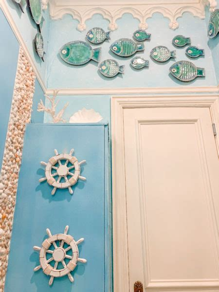 Come Take a Look at My Under the Sea Bathroom!   Turtle
