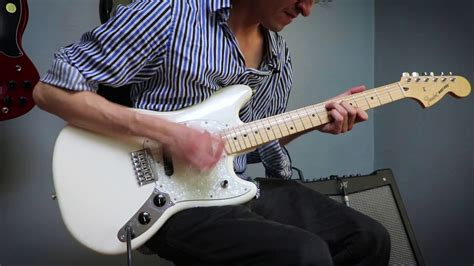 Squier Vintage Modified Mustang vs Fender Offset Mustang