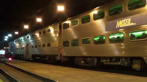 Railfanning in Metra's Chicago Union Station - YouTube