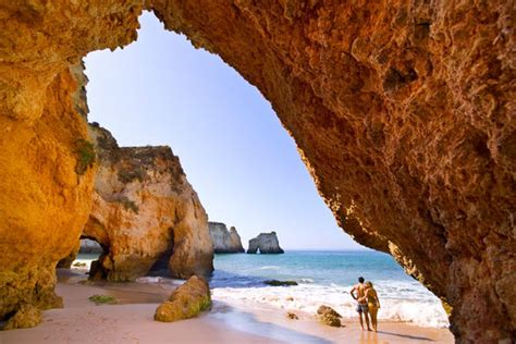 Ryanair offers flights to Faro in Portugal for just £9