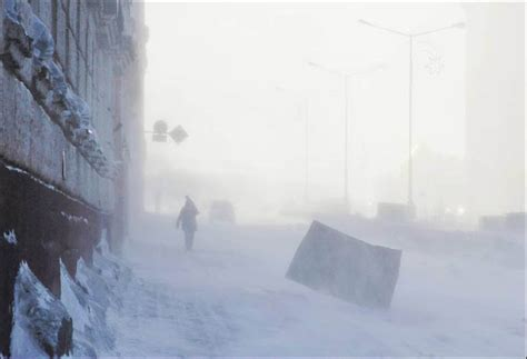 Wind power: plane pirouettes on tarmac in Arctic storm