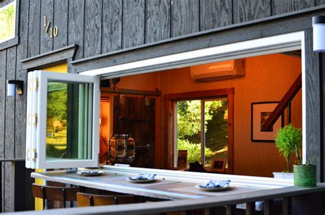Tiny House On Wheels With Indoor/Outdoor Entertaining