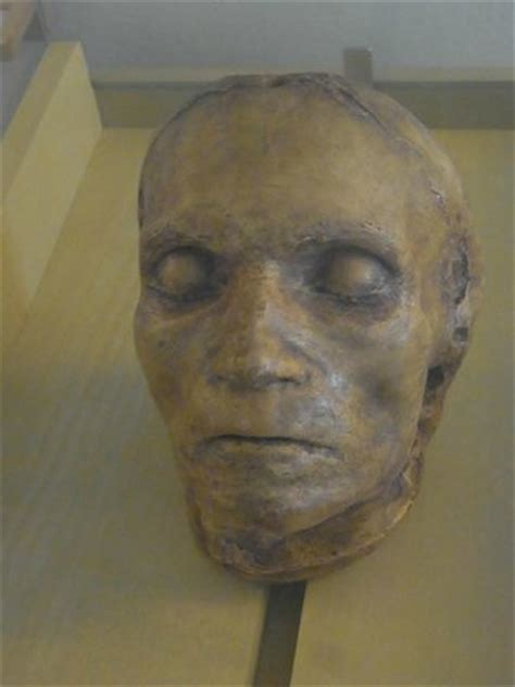 Beethoven death mask - Picture of Beethoven Wohnung