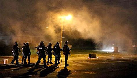 Militarized cops on display in Ferguson riots